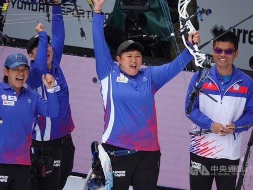 優勝を喜ぶ台湾の代表チーム=林政賢さん提供
