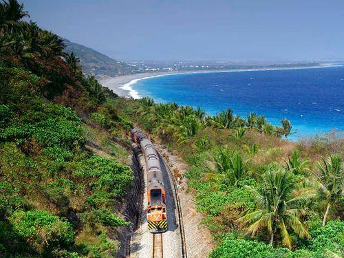 台湾鉄道南廻線の沿線風景=同社提供