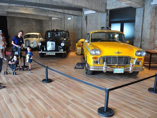 今月初め、宜蘭県蘇澳にオープンしたタクシー博物館の中の様子