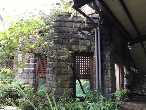 日本統治時代、陽明山に建てられた温泉旅館「巴旅館」の外観=台北市政府文化局提供