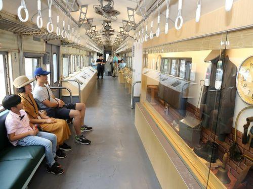 展示会場となっている台鉄の35TP32850形客車=台北市政府文化局提供