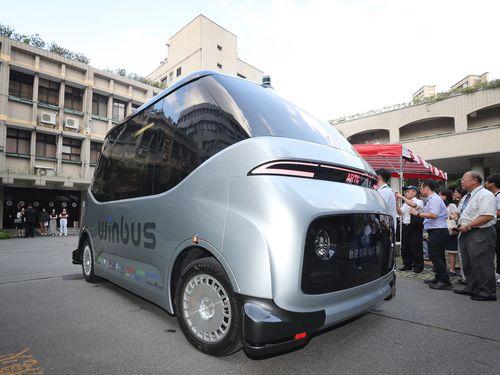 台湾で開発、製造された自動運転小型EVバス「WinBus」