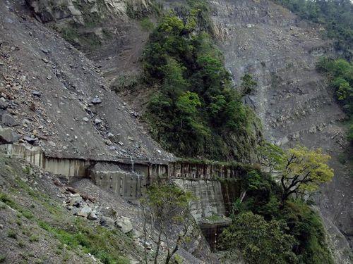 2015年の台風で損壊した42号トンネル=阿里山林業鉄路・文化資産管理処提供