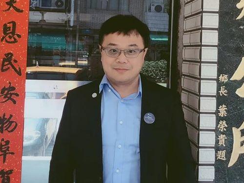 中国当局に身柄を拘束された李孟居氏=同氏のフェイスブックから
