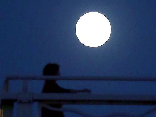 今年は中秋の名月を楽しめる可能性が高いという=資料写真