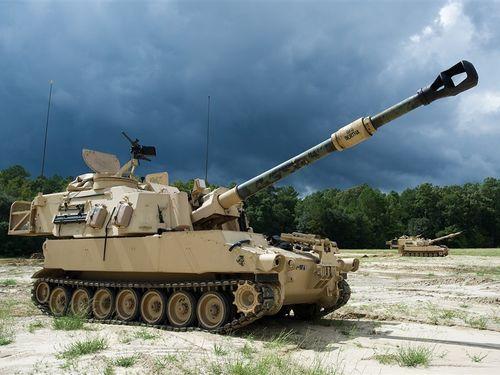 155ミリ自走りゅう弾砲M109A6パラディン