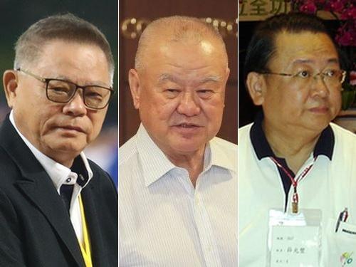 受章が決まった(左から)彭誠浩氏、林伯豊氏、薛光豊氏
