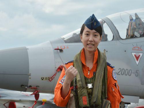 台湾初の女性のミラージュ戦闘機パイロット