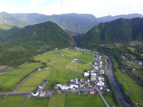 台湾東部の美しい風景をどうぞ