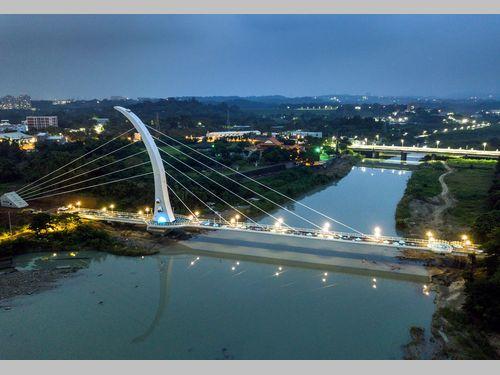 南部・嘉義市にお目見えした斜張橋 日本統治時代の絶景再び