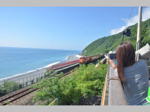 台湾で最も美しい駅、4月から全面禁煙に 水が逆流する観光スポットでも