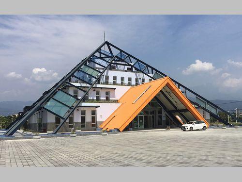 南部・屏東にピラミッド型の納骨堂がお目見え