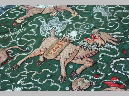 伝統芸能「北管」の歴史伝える刺繍旗、東部・花蓮県が保存、修復へ