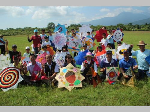 東部・花蓮でたこ揚げイベント開幕 先住民直伝の手作り教室も