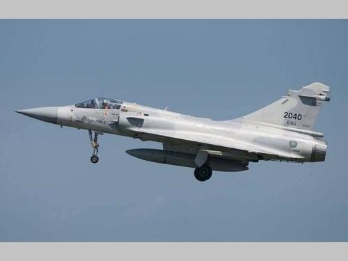 不明の空軍戦闘機、ブラックボックス見つかる 事故原因を分析/台湾