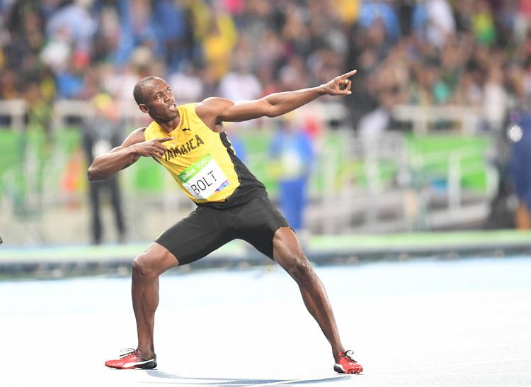奧運200米3連霸  閃電波特重現招牌拉弓