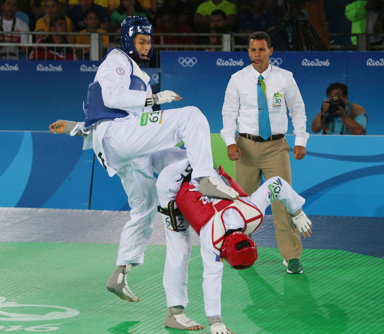 里約奧運跆拳道 劉威廷踢倒世界第1