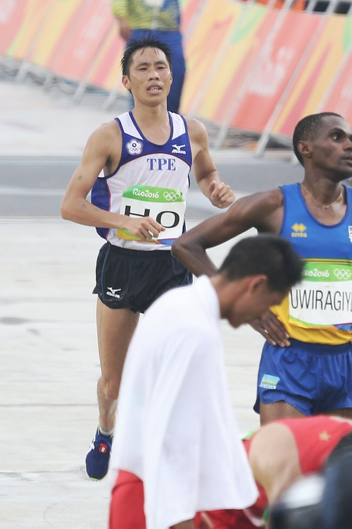 里約奧運馬拉松 何盡平100名