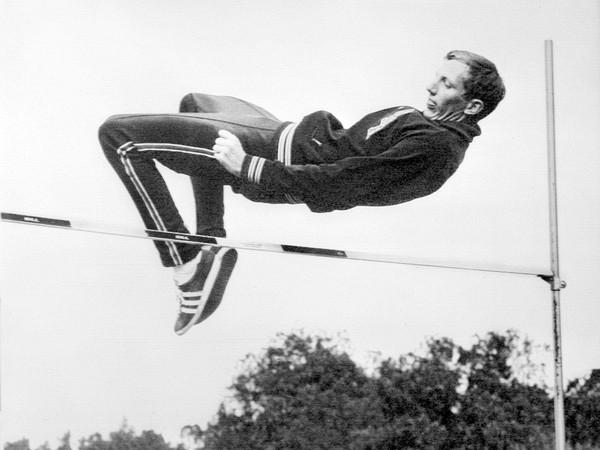 美國背滾式跳高先驅佛斯貝利