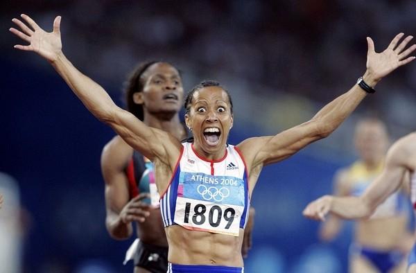 英國田徑選手凱莉霍爾姆斯