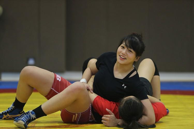 角力 Wrestling