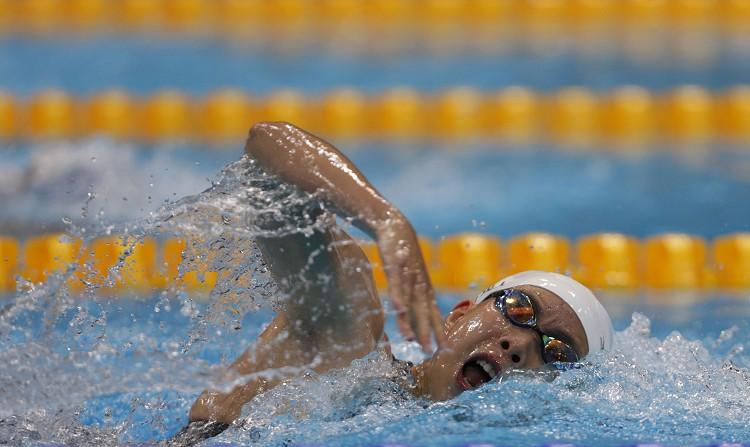 游泳 Swimming