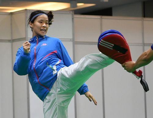 Huang Huai-hsuan practices in Rio.