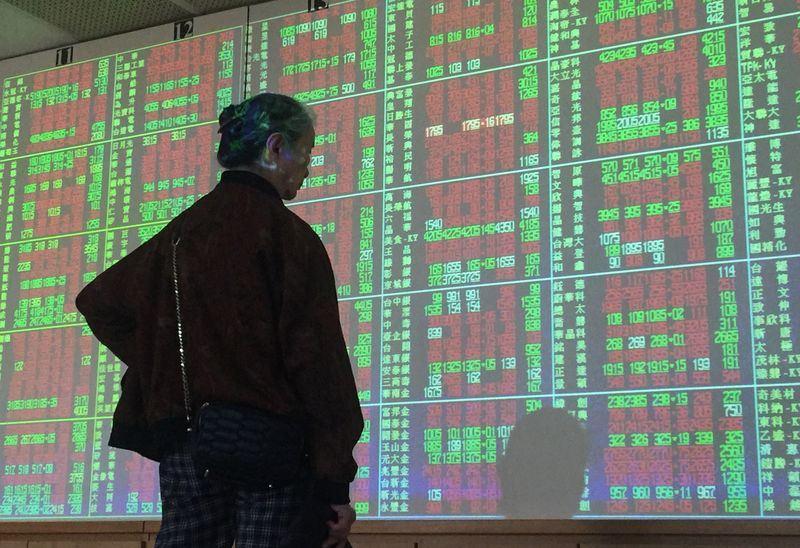台北股市9日開高收紅,收盤漲41.58點,為10864.82點。(中央社檔案照片)