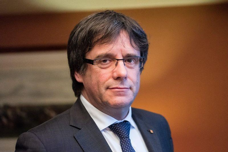 遭罷黜的加泰隆尼亞自治區主席普伊格蒙特18日指出,他應該早一點宣布獨立。(圖取自普伊格蒙特臉書www.facebook.com/KRLSPuigdemont)
