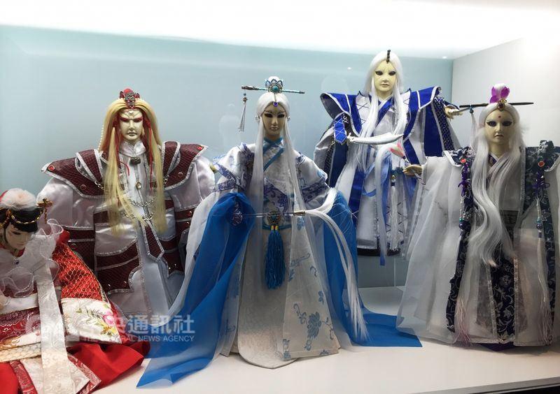 霹靂國際多媒體股份有限公司獲第3屆「總統創新獎」,霹靂財務長郭宗霖16日表示,獲獎關鍵是霹靂屬於傳統文化的創新。圖為霹靂布袋戲偶。(中央社檔案照片)