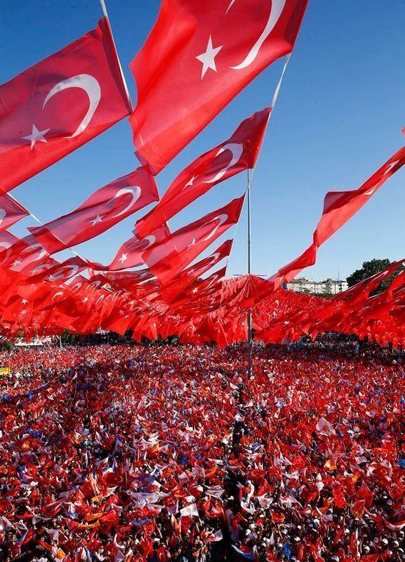 土耳其24日舉行總統和國會選舉,現任總統艾爾段仍是人氣最高的政治人物,也很可能在總統選戰中勝出。(圖取自艾爾段臉書facebook.com/RecepTayyipErdogan)