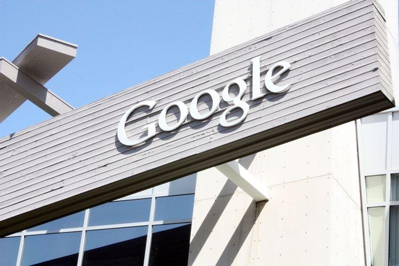 美國科技巨擘Google涉嫌非法限制Android手機製造商以及行動網路業者,歐洲聯盟18日重罰谷歌43.4億歐元。(中央社檔案照片)