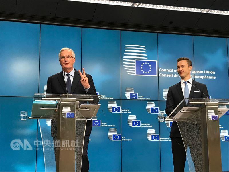 歐盟脫歐談判代表巴尼耶(左)20日在歐盟記者會上表示,這場談判需為最糟情況準備,即與英國最後在無協議下分手。中央社記者唐佩君布魯塞爾攝 107年7月21日