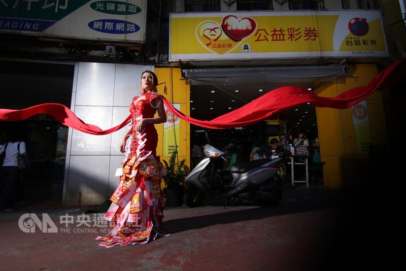 今年的加拿大台灣文化節主題是「台灣想菲」。主辦方丟出話題之一:台灣與菲律賓是遠房親戚還是隔壁鄰居?(加拿大亞裔活動協會提供)中央社記者胡玉立多倫多傳真 107年9月1日
