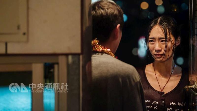 高雄電影節6日公布第八屆「國際短片競賽」入圍名單,台灣部分共有20部入圍,包括由演員吳可熙(右)主演的「天台上的魔術師」等。(高雄電影節提供)中央社記者江佩凌傳真 107年9月6日