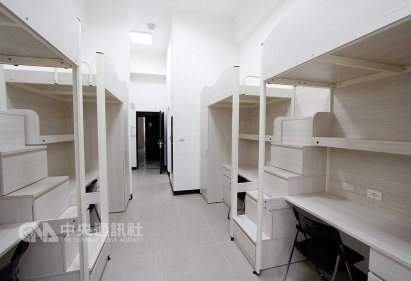 龍華科技大學打造五星級學生宿舍「涵青館」,提供576個床位,房間還配置100M的高速寬頻網路。(龍華科大提供)中央社記者許秩維傳真 107年9月10日