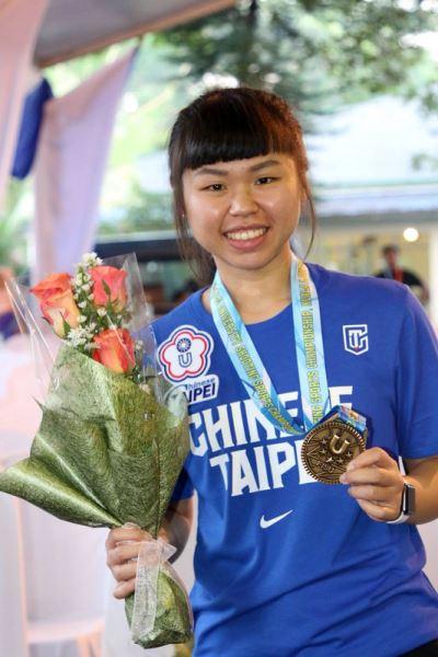 世界大學生射擊賽 余艾玟奪國際賽首金