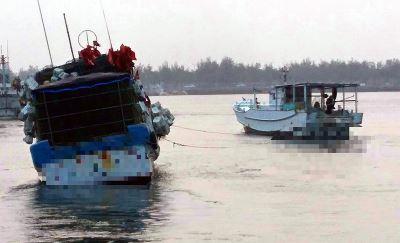 漁船進水恐沉沒 海巡搶救6船員脫困