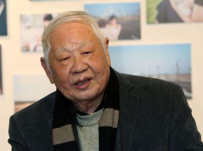 洛夫辞世 郑丽君:他是台湾现代诗的领航人