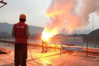 台南水库人工增雨 雨势不大增加有限