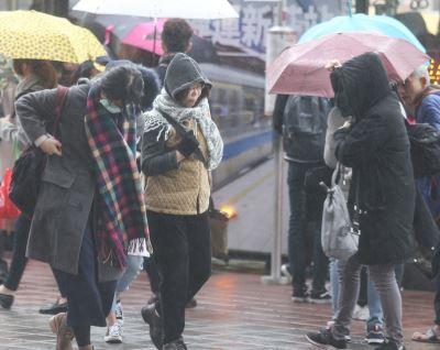 鋒面冷氣團先後到 全台有雨愈晚愈冷
