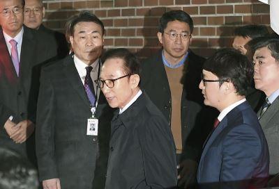 李明博淪為第4個涉貪被捕的南韓前總統