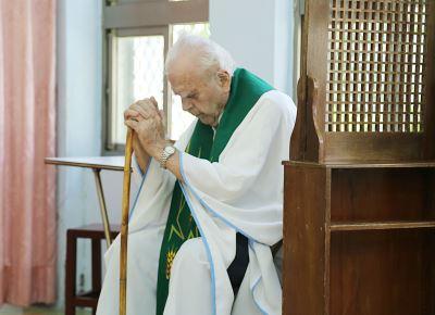 法籍神父潘世光病逝  數百教友追思