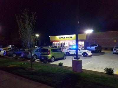 美國田納西州裸男餐廳開槍  至少3死4傷