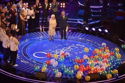 英女王92歲眾星祝壽 查爾斯一聲媽咪融化她