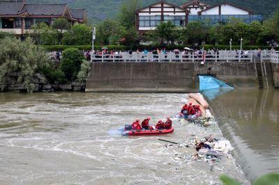 廣西桂林2艘龍舟翻覆 增至17死