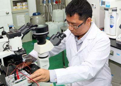 大學教授研發奈米晶片 半小時快速測癌
