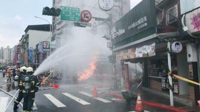 台北市內湖施工疑挖斷瓦斯管線 火災釀一男灼傷