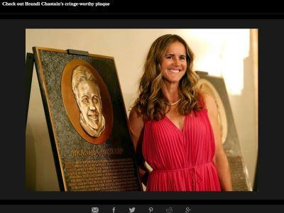 美國足球女將夏登入選名人堂  肖像失真惹議