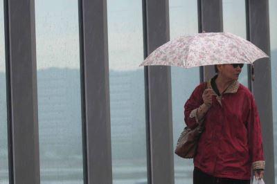 鋒面通過東半部有雨  北台灣氣溫稍降